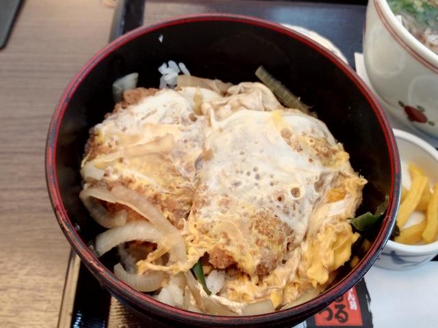 つるつる昼げ卵カツ丼.jpg